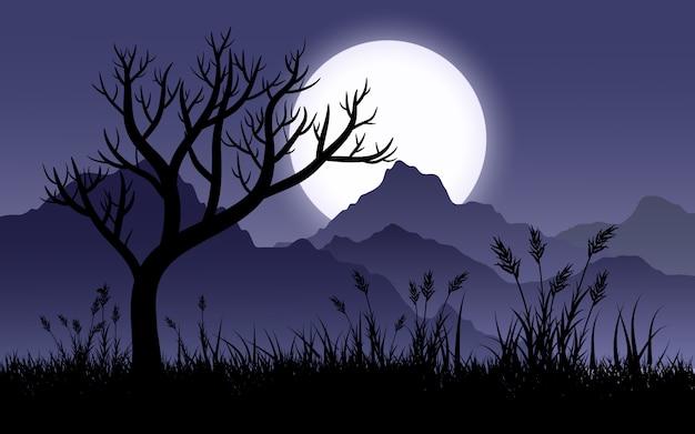 Mglista nocna sceneria ze wzgórzami, drzewem, trawą i pełnią księżyca