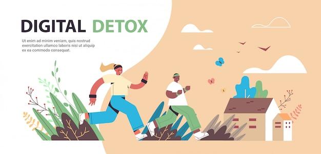Mieszanka wyścigu mężczyzna kobieta biegaczy ludzie spędzający czas bez gadżetów koncepcja działań offline detoxu cyfrowego