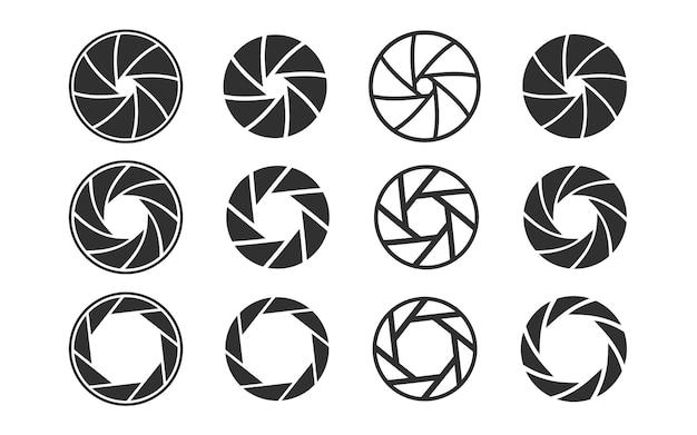 Migawka kamery. zestaw ikon przysłony obiektywu aparatu z inną pozycją płatków przysłony