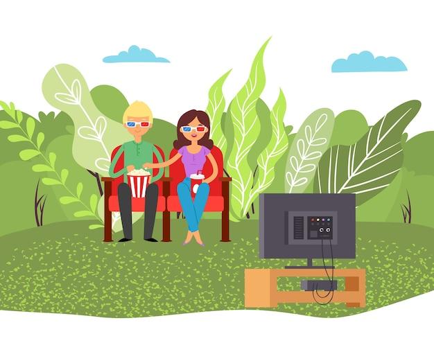 Miłość filmowa para, rozrywka filmowa, rozrywka film razem dziewczyna, jedzenie pić kukurydzę, ilustracja. siedzący pokaz zespołowy, nowoczesny związek romantyczny, film relaksacyjny.