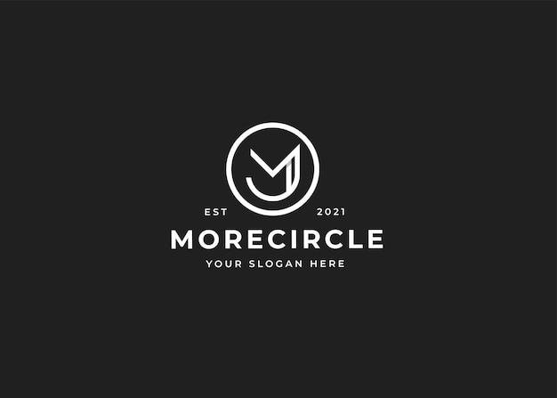 Minimalistyczne logo litery m z szablonem projektu w kształcie koła