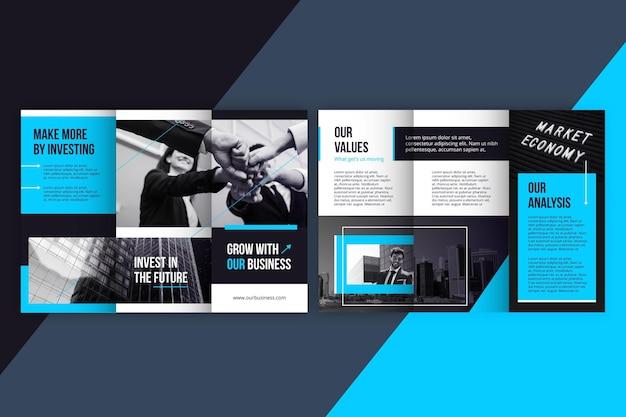 Minimalny potrójny szablon broszury ze zdjęciem oraz z przodu iz tyłu