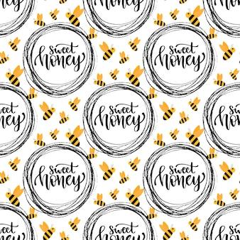 Miód bez szwu wzór z pszczołą. projekt opakowania z kaligraficznym słodkim miodem