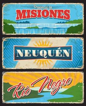 Misiones, neuquen i rio negro, argentyńskie prowincje i regiony wektorowe vintage talerze. flaga ze słońcem, wodospadem iguazu i jeziorem nahuel huapi krajobrazy przyrody grunge znaki i retro projekt naklejek