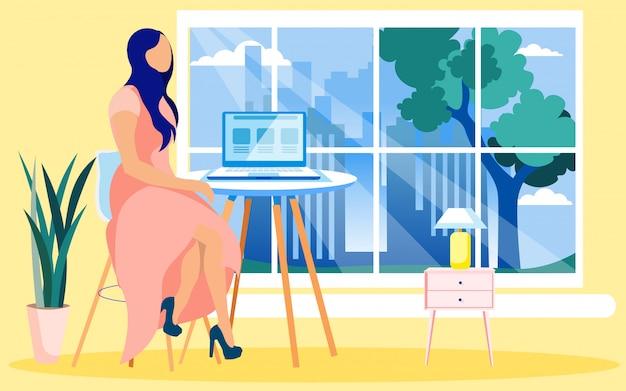 Młoda kobieta prezenter wyświetlono grafiki reklamowe