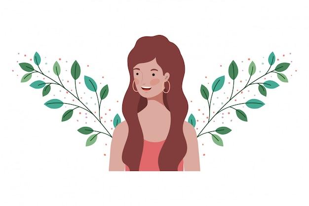 Młoda kobieta z gałąź i liśćmi