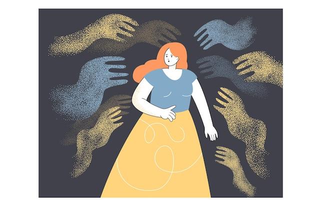 Młoda zadłużona kobieta boi się otaczających ją abstrakcyjnych rąk