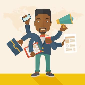 Młody, ale szczęśliwy afrykański pracownik robi wielozadaniowe zadania biurowe.