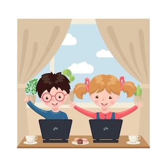 Młody chłopiec i dziewczyny obsiadanie przy stołem i studiowanie przy komputerem w domu wnętrze.