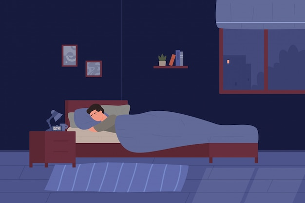 Młody człowiek śpi w swoim łóżku. sypialnia chłopiec pokój kreskówka w nocy. wygodne wnętrze z łóżkiem, lampą, książkami, ilustracją.