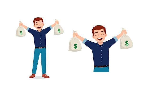 Młody człowiek trzyma worek pieniędzy i czuje się szczęśliwy