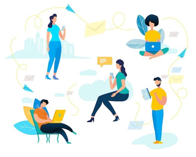 Młodzi mężczyźni i kobiety używają zestawu do smartfona i laptopa