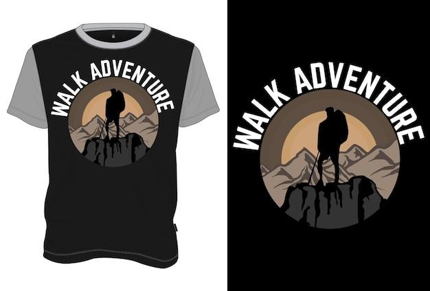 Mock up t-shirt walk adventure w stylu retro vintage