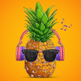 Modny ananas z okularami przeciwsłonecznymi i słuchawkami słucha muzyki na żółtym tle
