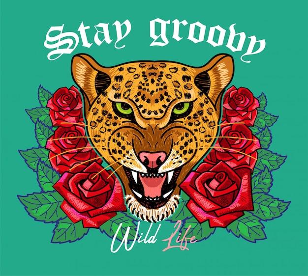 """Modny nadruk na ubraniach t bluza bomberka również na naklejce plakatu z haftem dzika głowa lamparta z czerwonymi różami i frazą """"stay groovy"""" modern trendy maskotka na streetwear"""