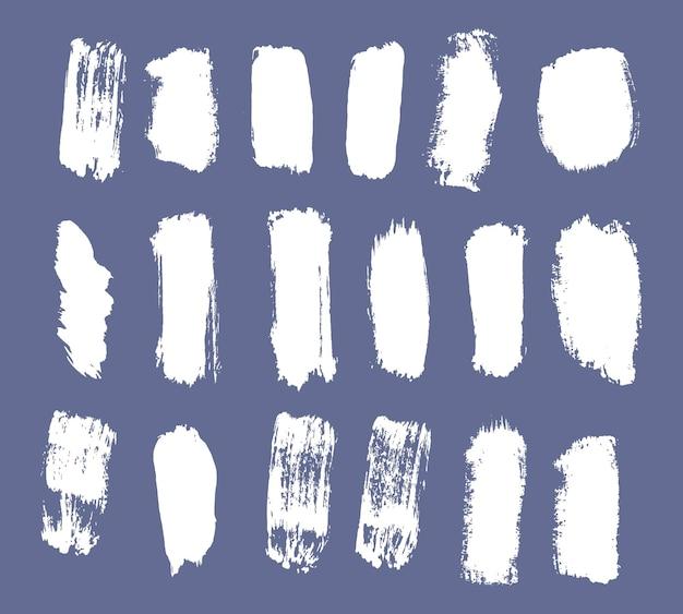Modny pociągnięcia pędzla biały atrament farba tło grunge brud transparent malowane akwarela wektor