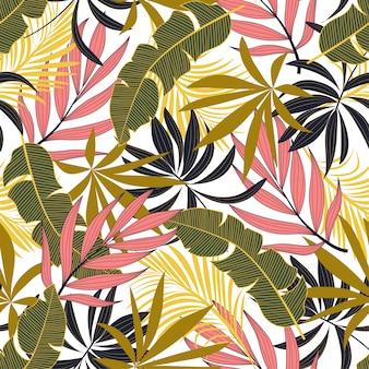 Modny wzór tropikalny z jasnymi różowymi i zielonymi kwiatami
