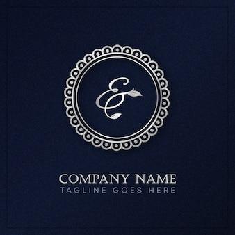 Monogram z okrągłym logo w stylu królewskim w kolorze srebrnym