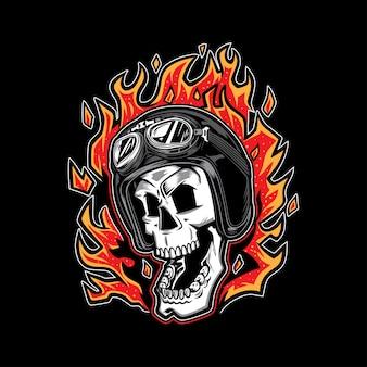 Motocyklista czaszki w ogniu