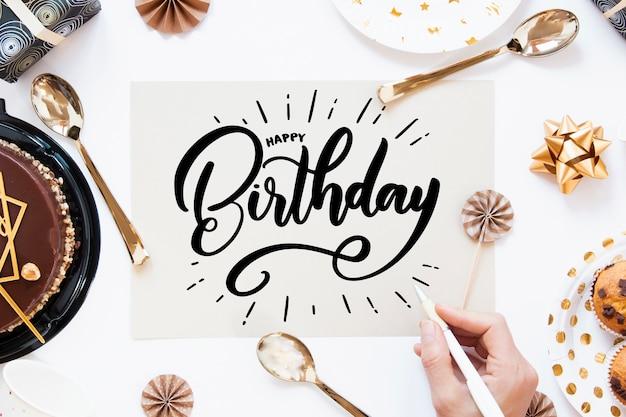 Motyw obchodów urodzin na napis