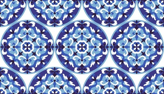 Mozaika klasyczny niebieski i biały bezszwowy wzór streszczenie kwiatowy okrągły medalion powtarzać tło