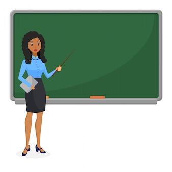 Muzułmańska lub brazylijska przyglądająca kobieta nauczyciel stoi przed blackboard