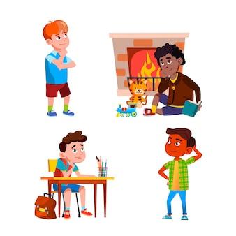 Myślenie lub marzenie chłopców dzieci wektor zestaw. dzieci siedzą przy biurku na lekcji w szkole i w pobliżu kominka, stojąc na ulicy i myśląc o problemie. postacie płaskie ilustracje kreskówka