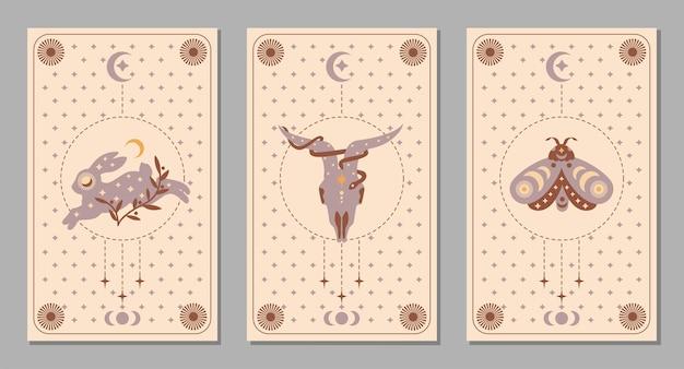 Mystic boho zestaw plakat ze zwierzętami i symbolami, księżycem, ćmą, królikiem, kozą, wężem, gwiazdą do karty tarota. magia płaskie ilustracja wektorowa. modne minimalistyczne znaki do projektowania kosmetyków, tła