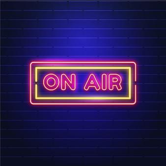 Na antenie z neonowym znakiem ramki