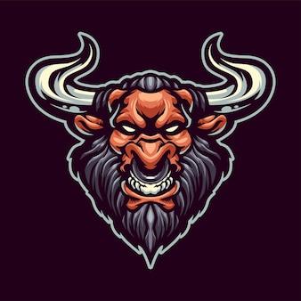 Na białym tle logo maskotki głowy minotaur dla sportu i e-sportu