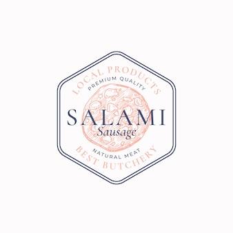 Najwyższej jakości etykieta z salami lub szablon logo ręcznie rysowane kiełbasa szkic znak godło rzeźni...