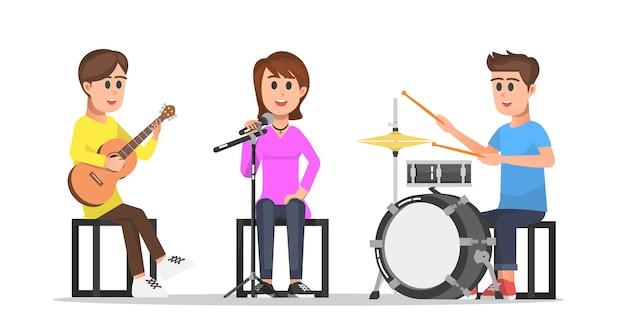 Nastolatki grające muzykę w zespole