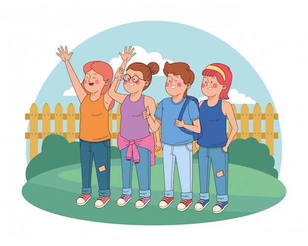 Nastolatki przyjaciele uśmiechnięci i pozdrowienia