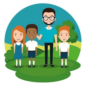Nauczyciel mężczyzna ze studentami w parku