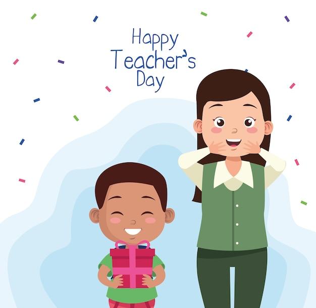 Nauczyciel z uczniem afro małego chłopca podnoszenia postaci prezentów