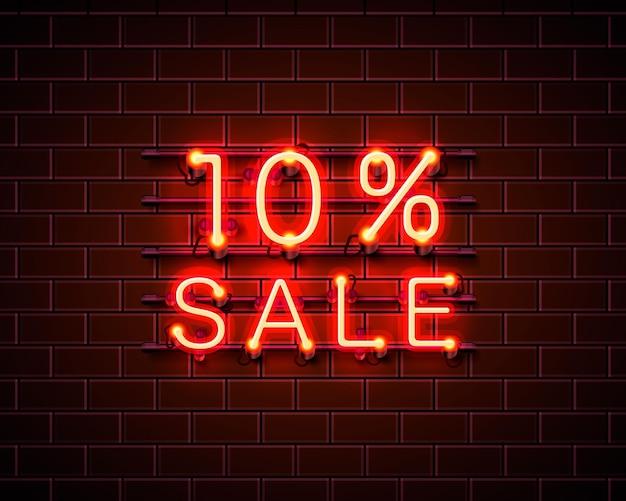 Neon 10 sprzedaż baner tekstowy. znak nocy. ilustracja wektorowa