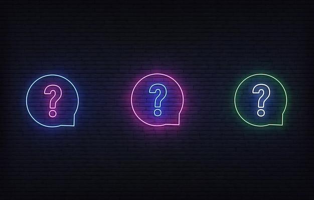 Neon pytanie. świecący neonowy zestaw szyldów szablon quizu.