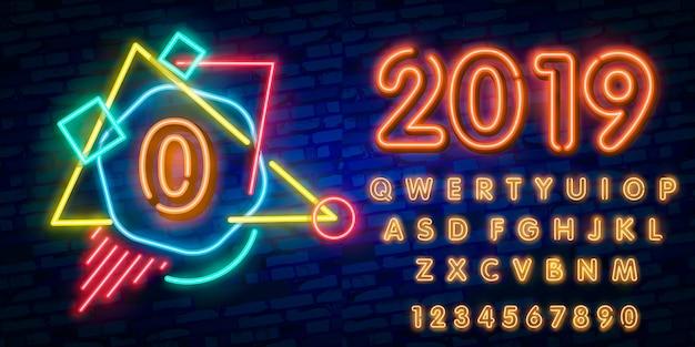 Neonowa czcionka miasta numer 0, szyld zero i neon czcionka typografia alfabet
