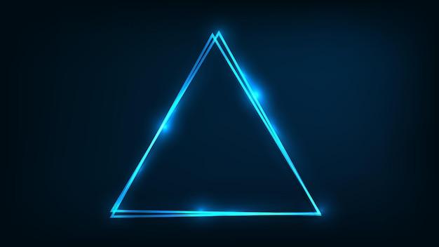 Neonowa podwójna trójkątna ramka z błyszczącymi efektami na ciemnym tle. puste świecące tło techno. ilustracja wektorowa.