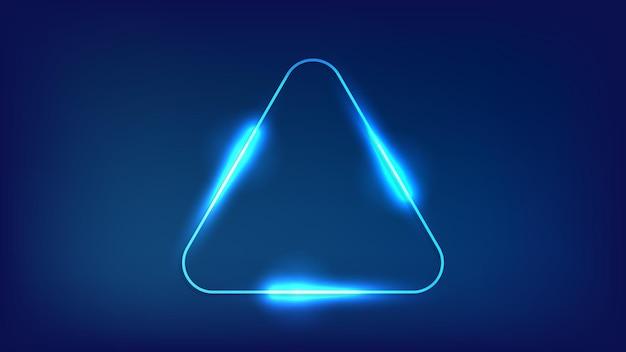 Neonowa zaokrąglona ramka trójkąta z błyszczącymi efektami na ciemnym tle. puste świecące tło techno. ilustracja wektorowa.