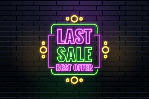 Neonowy projekt znaku sprzedaży