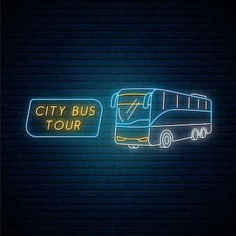 Neonowy znak autobusu.