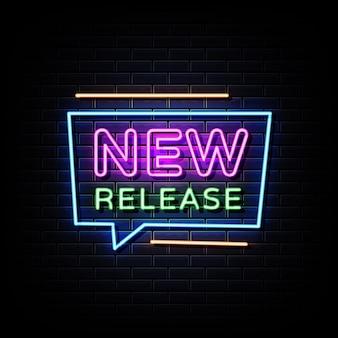 Neonowy znak nowego wydania na czarnej ścianie