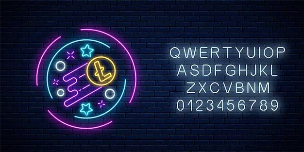 Neonowy znak rosnącej waluty litecoin z alfabetem. kryptowaluta rośnie emblemat z kształtami gwiazd w okrągłej ramce na tle ciemnego ceglanego muru. ilustracja wektorowa.