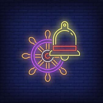 Neonowy znak steru i dzwonka. kierownica statku. świecące elementy banner lub billboard.