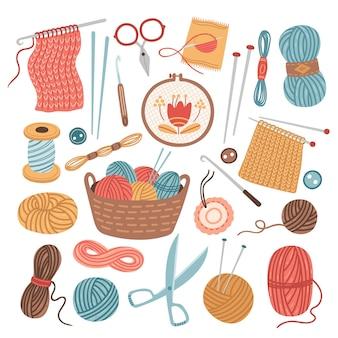 Nici dziewiarskie. szycie na drutach, kulki z przędzy wełnianej. akcesoria do rękodzieła kreskówka na białym tle, szydełka robótki hobby narzędzia ilustracji wektorowych. szycie i nici, rzemieślnicze dzianie, robótki ręczne
