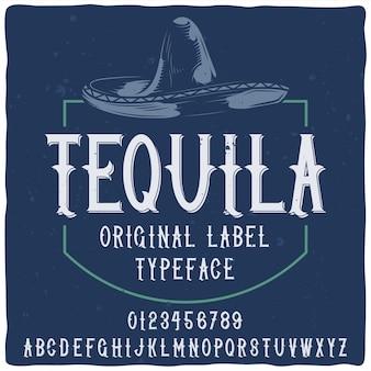Niebieska etykieta tequili z krojem pisma