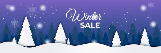 Niebieski błyszczący zimowy świąteczny baner sprzedaży ze śniegiem, palmą, płatkiem śniegu i górą.