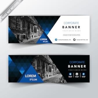 Niebieski geometryczny wstecz i przód banner sieci web