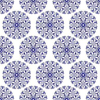 Niebieski i biały dekoracyjny wzór płytki